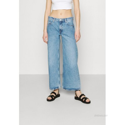 Weekday RAY LOW Flared Jeans hanson blue/light blue