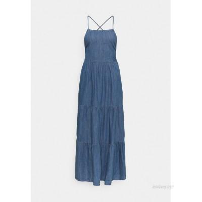PIECES Tall PCTINKA STRAP MIDI DRESS  Denim dress medium blue denim/blue denim